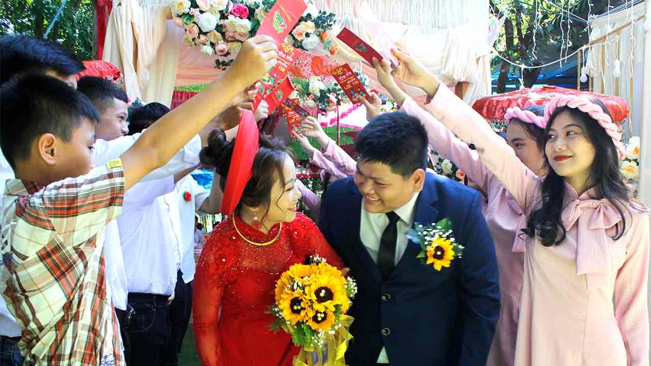 Quay phim, chụp hình lễ cưới