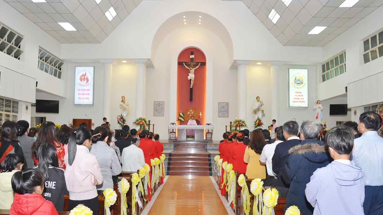 Chụp ảnh Thánh Lễ