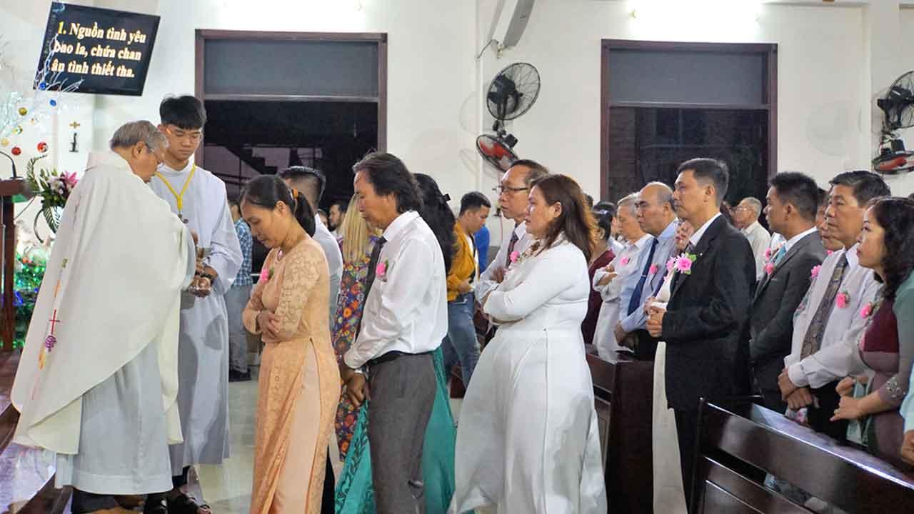 Dịch vụ quay phim Thánh Lễ hôn phối tại Đà Nẵng
